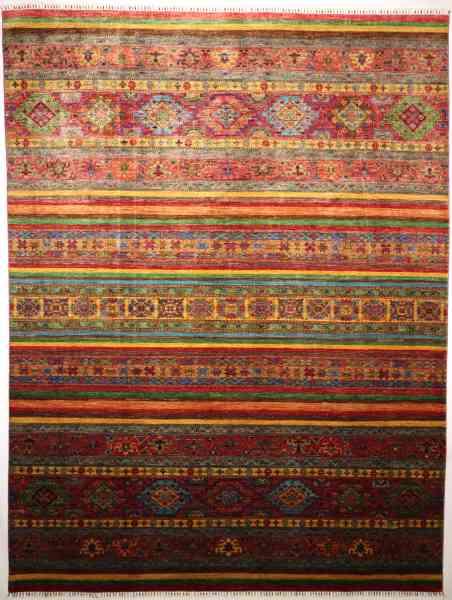 Afghanischer Teppich, aus Schurwolle handgeknüpft, mehrfarbig, Draufsicht