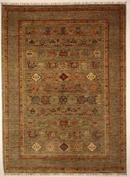 Handgeknüpfter afghanischer Teppich aus Wolle, naturfarbener Grund mit mehrfarbiger Musterung, Draufsicht